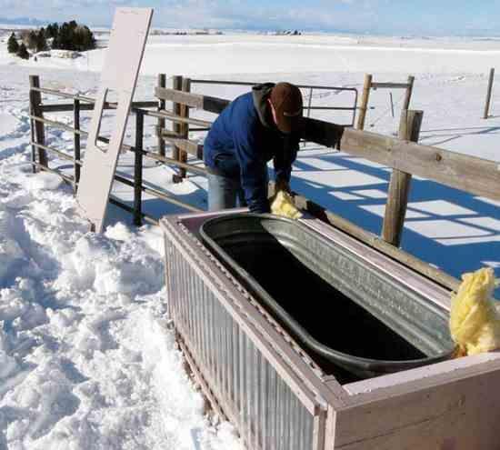 solar livestock water tank