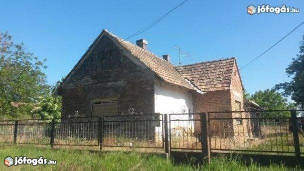 Családi ház eladó,Balatonhoz közel