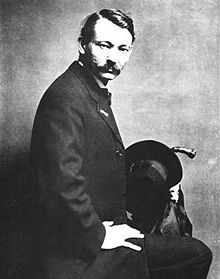 Modernist artist, author, art activist and teacher, Robert Henri believed that American art should be public in the broadest sense of the word and have relevance to the people, not just to art experts. According to Henri, American artists had too long been under the sway of the standards and subject matter of European high art. More info: http://www.encyclopedia.com/topic/Robert_Henri.aspx