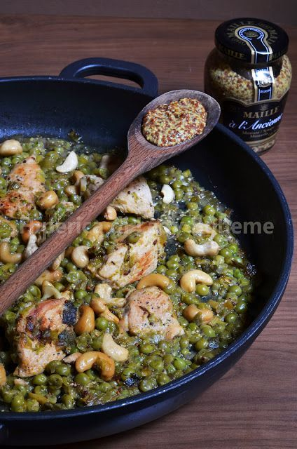Hiperica Lady Boheme: Chicken with cashew nuts and Dijon mustard with peas