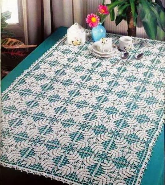 Crochet: Tablecloths square and rectangular