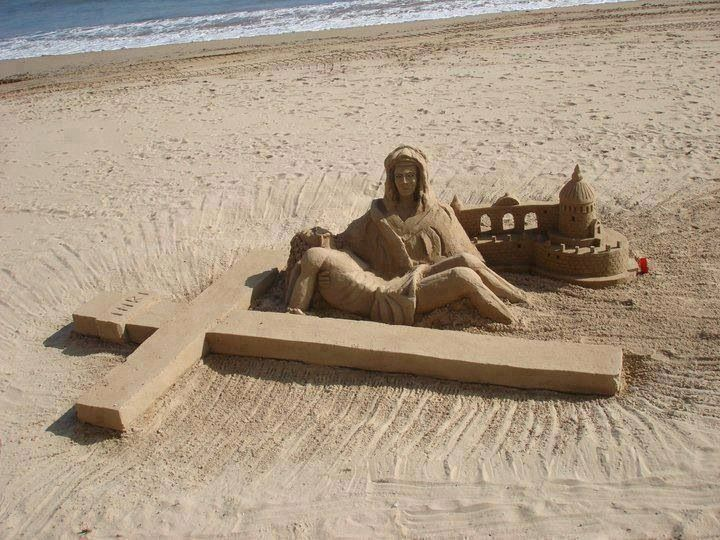 Best Sandcastles Images On Pinterest Sculptures - This towering sand sculpture just broke the world record for the tallest ever sandcastle