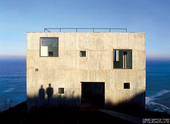 Casa Poli by Pezo von Ellrichshausen. Península de Coliumo, Chile.