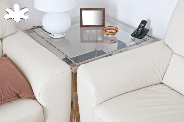 Lucite Acrylic side table - Acrylic furniture - TAVOLINI ANGOLARI IN PLEXIGLASS | Tavolino trasparente in plexiglass angolare 02. mod. MISSING  | Tavolino plexiglass cm.78 x 78 h.50 - telaio sp.mm.50 - gambe sez.mm.60