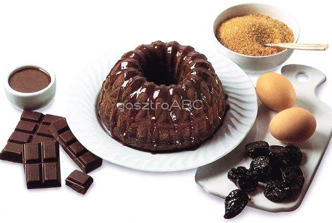 Aszalt szilvás kuglóf forró csokoládéöntettel | Receptek