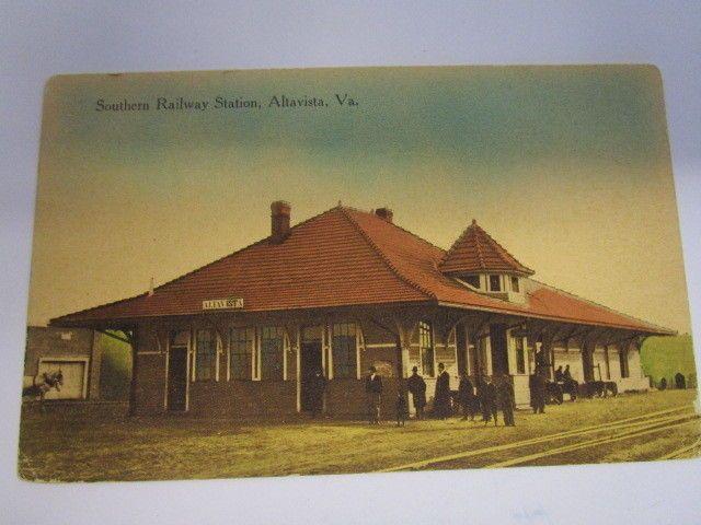 http://www.ebay.com/itm/Vintage-W-E-Burgess-Post-Card-Of-Southern-Railway-Station-In-Altavista-Va-/322311549719?hash=item4b0b43f317:g:p5EAAOSwx2dYFiW-