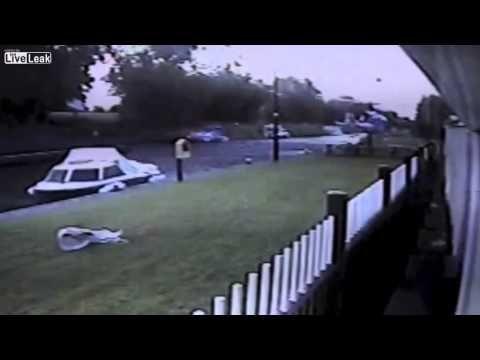 Irish man crashes helicopter into pub - YouTube