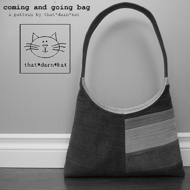 This pdf sewing pattern from thatdarncat is for a modern quilted handbag with a single shoulder strap, interior pocket and magnetic snap closure. The approximate measurements for this chic purse ar…