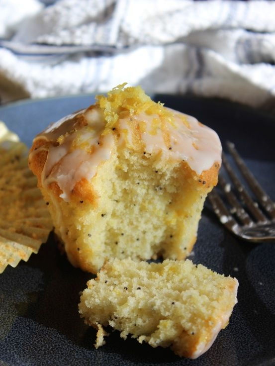 Lemon Poppyseed Drizzle Cakes - light, buttery and with a delicious zesty flavour.