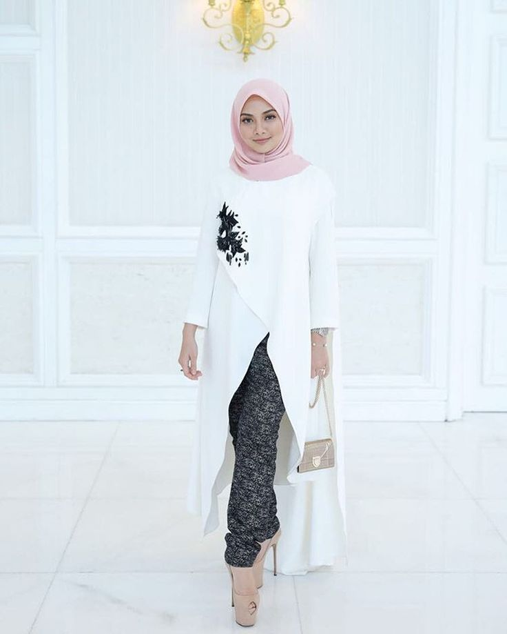 "97.9k Likes, 484 Comments - Noor Neelofa Mohd Noor (@neelofa) on Instagram: ""No colour will ever be brighter than black and white ◾️◽️▪️▫️ . Flowy asymmetrical top & tweed…"""
