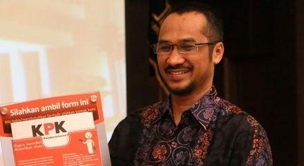 Abraham Samad Imbau Parpol Miliki Kode Etik