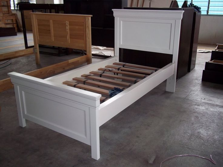 25  best ideas about White Wooden Bed on Pinterest   Wooden bed designs   Simple wood bed frame and Box bed frame. 25  best ideas about White Wooden Bed on Pinterest   Wooden bed