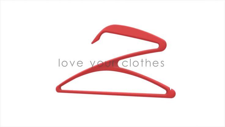 Kledingmerk kiest voor innovatieve #Gazel kledinghanger als #relatiegeschenk bij de introductie van hun nieuwe kledinglijn! Asymmetrisch design https://youtu.be/oHnK4Zz8jvQ