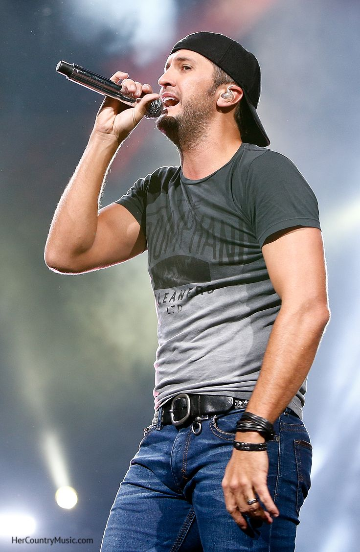 Luke Bryan and Jason DeRulo Record a Split-Screen Duet of ...