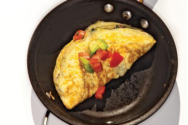 Szeretjük a tojást. sütve főzve, nyersen. Az omlettek variációja is kimeríthetetlen, de talán tudunk mutatni újat: egy különleges és nagyon laktató verziót a tojás kedvelőinek!