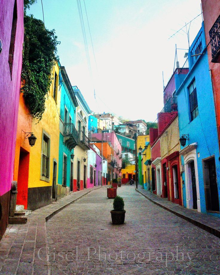 Guanajuato, Mexico / Travel Photography /                                  http://hostmyniche.com/learnspanish/