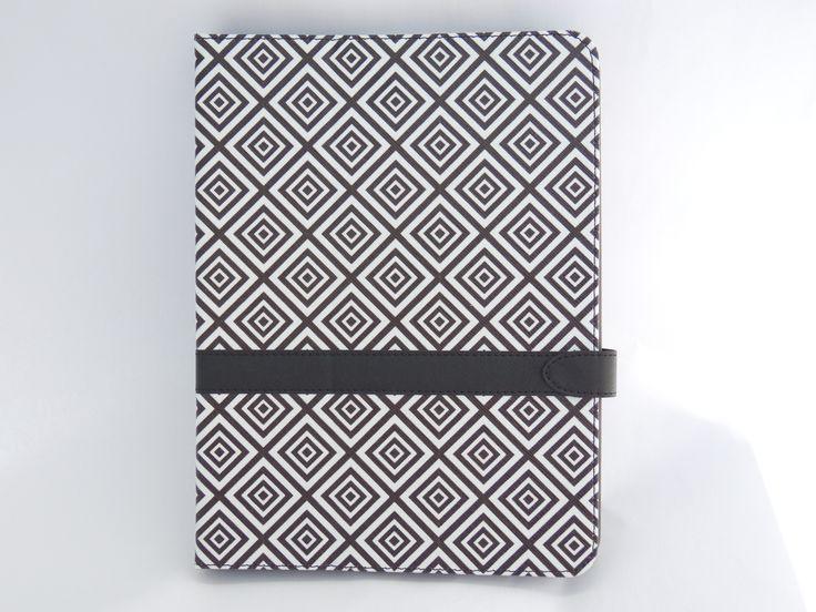 Ține-ți tableta în siguranță folosind husa extrem de stylish, cu model geometric!