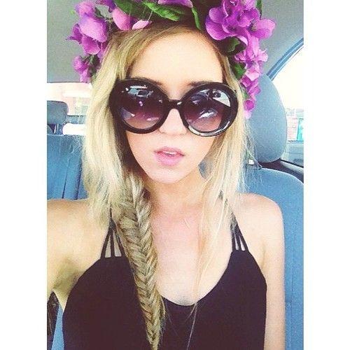 Meghan Rienks - known on Youtube as MeghanRosette. She is my favorite American beauty guru!