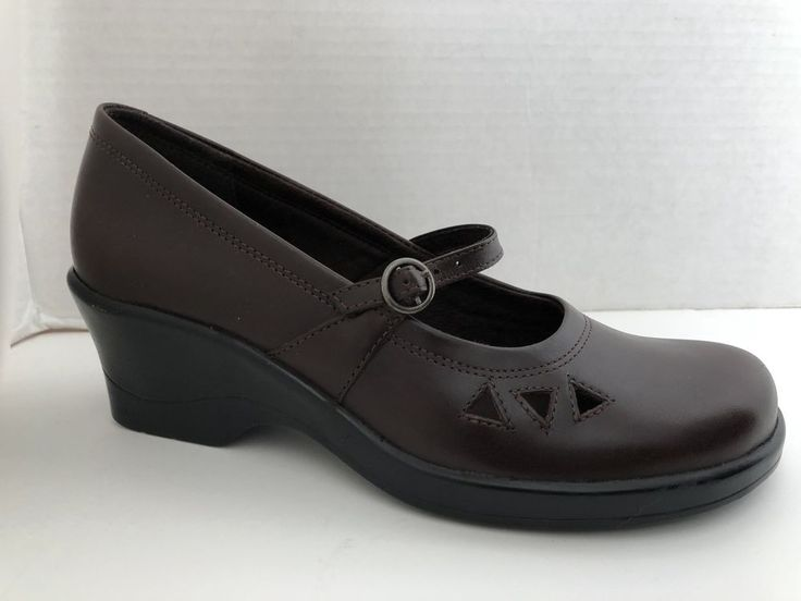 Lands End Mary Jane Shoes Size Women's 6 1/2 B- Light Brown