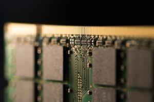 Samsung steals Intel's spot as world's biggest chipmaker