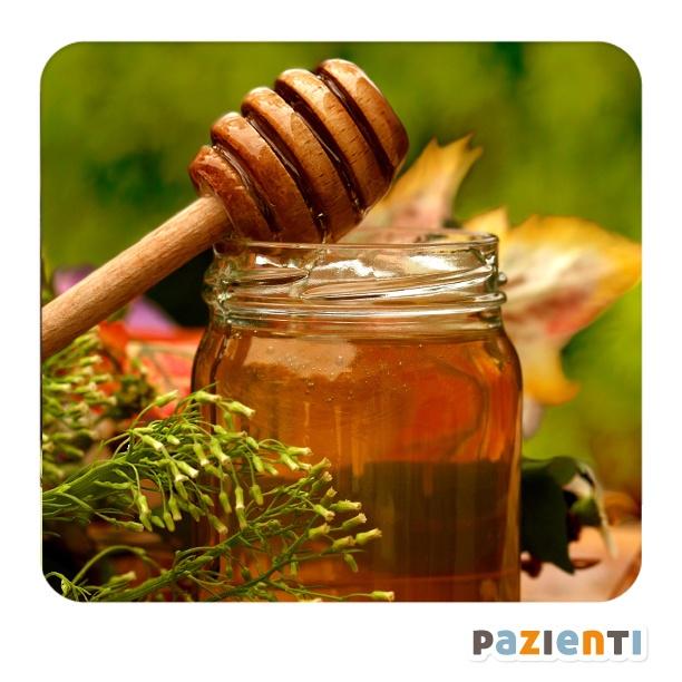 Per sedare la tosse notturna il #miele è un ottimo alleato: estremanente ricco di antiossidanti (tra cui la vitamina C e flavonoidi), stimola la salivazione e lubrifica le vie respiratorie