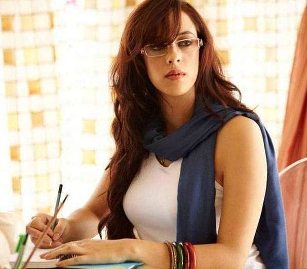 Hazel Keech Height Weight Body Statistics   Healthy Celeb - indian.photosheaf.com is a place where you can share cute lovely photos of your favourite indian actors/actresses. - indian.photosheaf.com