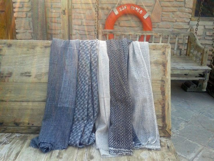 Buy silk, chiffon, cashmere or wool shawls for both women and men exclusively from Le Patio. #scarves #shawls #warm #grey #white #blue #women #fashion #silk #cashmere