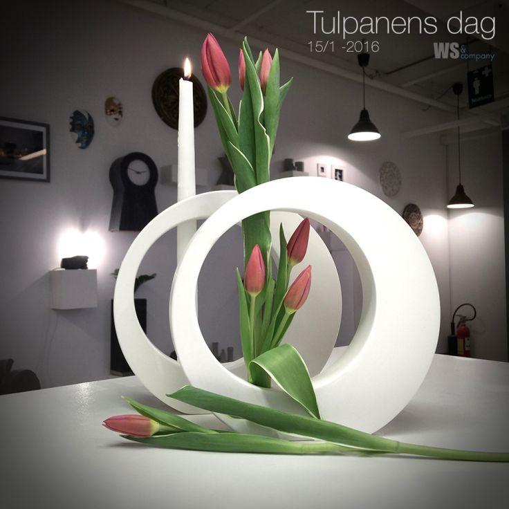 Tulpanens dag i Linköping hos WS och Company En enkel ljusstake i formgips. Formgips hittar man här: http://www.wsochcompany.se/gjutmaterial/gips/formgips-gips-for-utomhus-inomhusbruk/