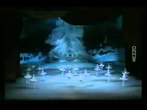 Ballet The Nutcracker; Snowflakes