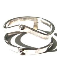 http://www.inbetweentangerine.com/collections/new/products/double-point-ring