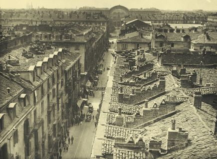 VIA ROMA ANNI TRENTA. Via Roma II tratto, vista dall'alto, dal campanile della chiesa di San Carlo, prima dell'inizio dei lavori 18 giugno 1935, gelatina, mm 184x243. #torino #vintage