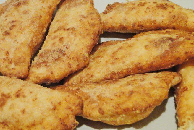 Retete Culinare - Placinte cu branza si cascaval la tigaie