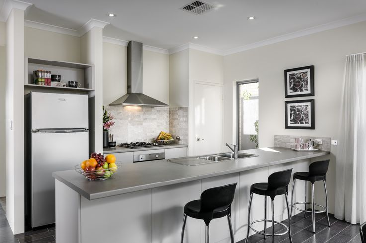 Homebuyers Centre - Breeze Displau Home Kitchen
