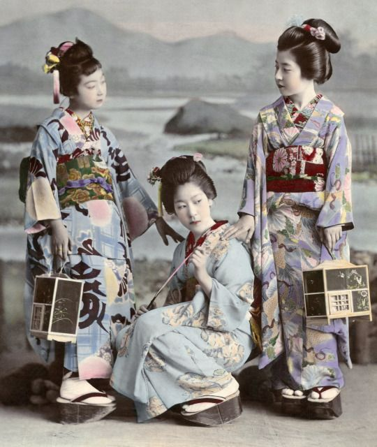 Hunting Fireflies by Kajima Seibei 1897.  This black and white photograph of threehangyoku (young geisha) from the Shinbashi geisha district of Tokyo huntingfireflies, was taken in 1897 by Kajima Seibei.