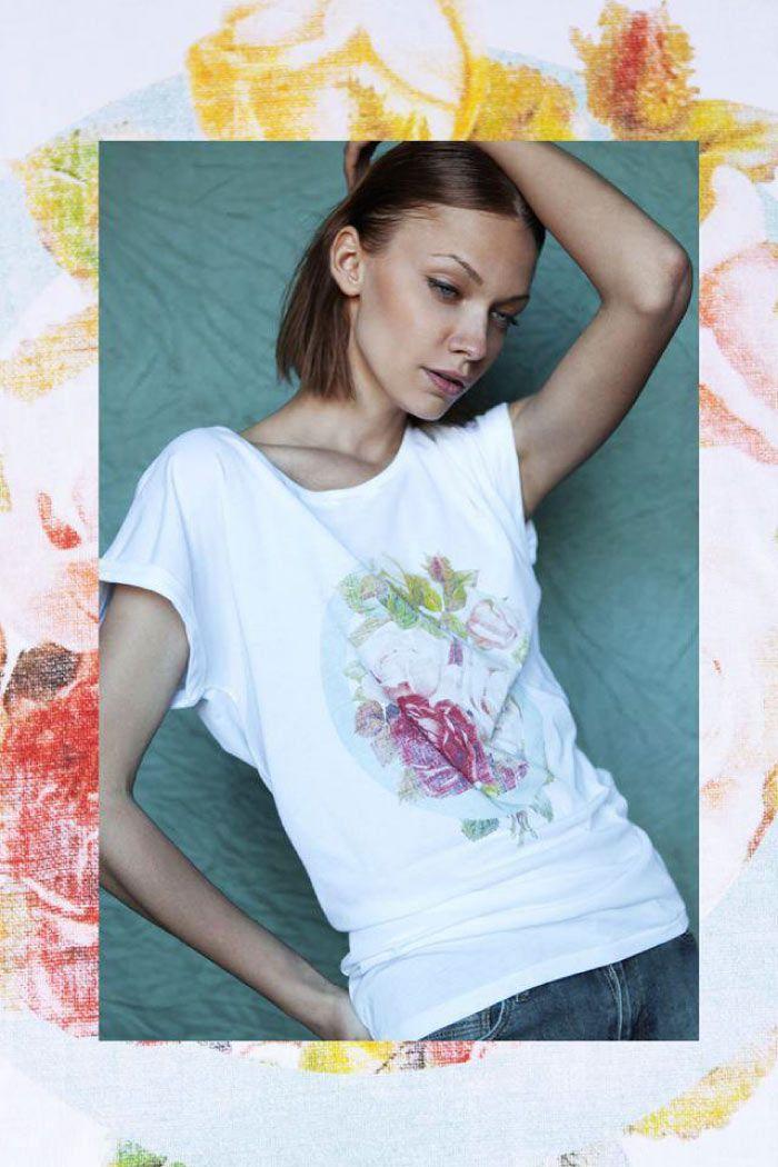 """Ultra Tee  En latin """"ultra"""" signifie """"au-delà"""". Et Ultra Tee propose effectivement bien plus qu'un simple t-shirt… Lancée en 2012 par les designers Angie Sam et Juan Sebastian Rickenman, la marque vogue dans un monde à part, à base de coupes loose, de motifs vintage et de fibre d'eucalyptus. Bref, un OVNI de la mode comme on les aime, dont le style séduira plutôt la gente féminine…  http://www.grafitee.fr/tee-shirt/ultra-tee/  #lifestyle #fashion #green #floral #Tshirts #France"""