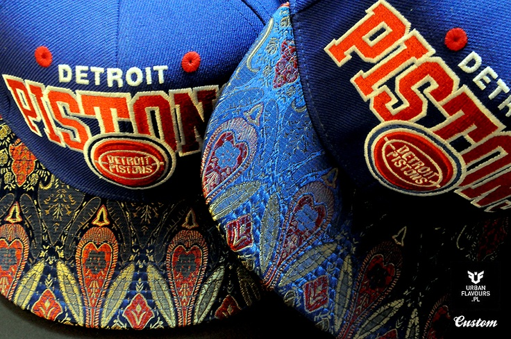 Detroit Pistons Mitchell And Ness Custom Snapback.