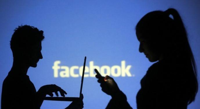 Utilizatorii de Facebook posteaza tot mai putine informatii despre gandurile lor sau despre intamplarile prin care trec pe reteaua de socializare