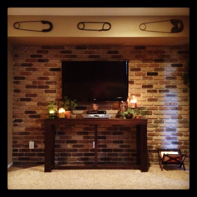 Brick Accent Wall Outside: Brick Accent Wall DIY