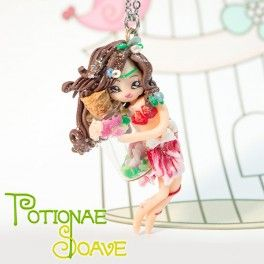 This necklace with a lovely Potionae Soave fairy has been made entirely by hand, without the aid of any mold and nothing has been painted: it's entirely carved in every detail. And that is why these creatures are unique pieces, there're not two equal fairies!  Find it on www.Delicute.com
