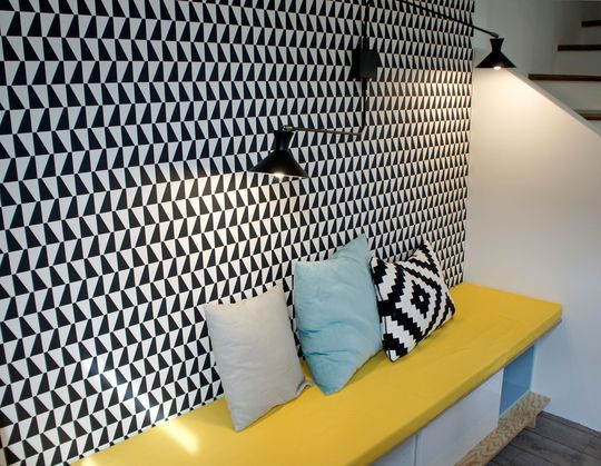 25 best ideas about mur triangulaire sur pinterest mur - Table pour papier peint ...
