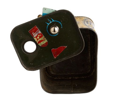 Monica Cecchi Piece: Lei, 2009 Tin 10 x 11 x 8 cm & 11 x 10 cm Sculpture-Brooch - OH !