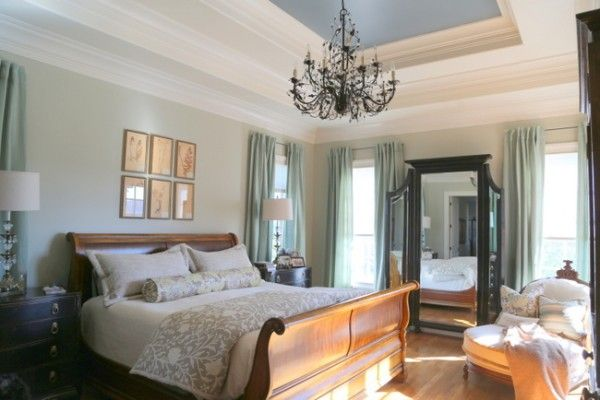 When Your Tray Ceiling Looks Like a Wedding Cake – How to Paint It {The Decorologist}