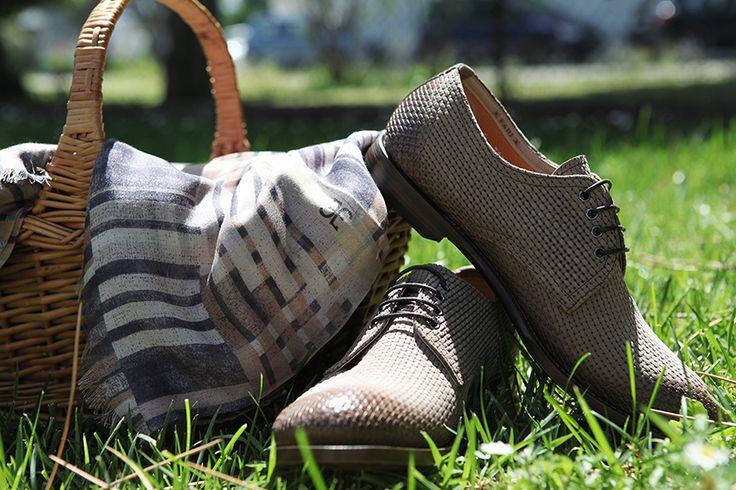 Primavera estate 2015 uomo: una scarpa per ogni occasione è.en]Spring summer 2015 man: a shoe for each occasion