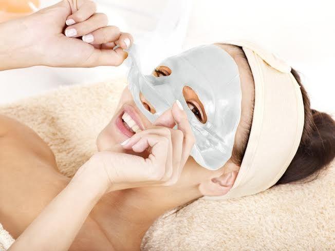 Bardzo duży wybór asortymentu kosmetyków do pielęgnacji twarzy Produkty wiodących marek w bardzo atrakcyjnych cenach pomogą Ci zadbać o swoje piękno ❗❗✂✂
