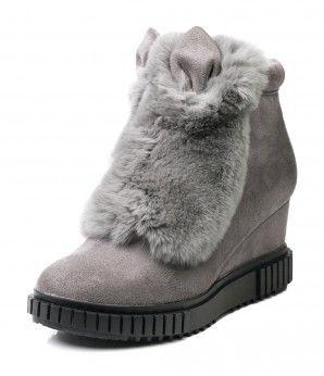 Серые ботинки на скрытой танкетке с мехом. #MarioMuzi #shoes #style #fashion #comfortable #women #for_girls #lady #pretty #beautiful #casual #2016 #autumn #fall #winter #onlineshop #shopping #sale #Kharkiv #Kharkov #Ukraine #Lviv #Dnepropetrovsk #Odessa #МариоМузи #обувь #женская_мода #женская_обувь #женские_туфли #босоножки #интернет_магазин #шоппинг #осень #зима #Харьков #Львов #Днепропетровск #Одесса #сапоги #ботинки