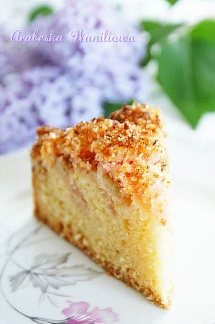 Ciasto z rabarbarem i kokosową posypką | Arabeska
