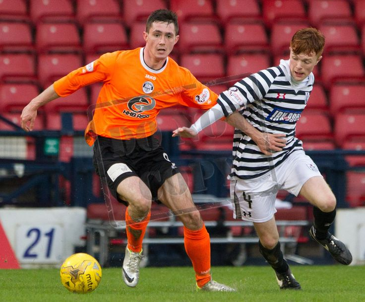 East Stirlingshire's Neil McCabe on the ball during the SPFL League Two game between Queen's Park and Elgin City.