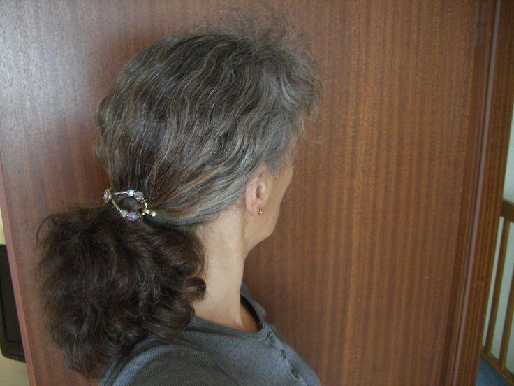 graues haar rauswachsen lassen
