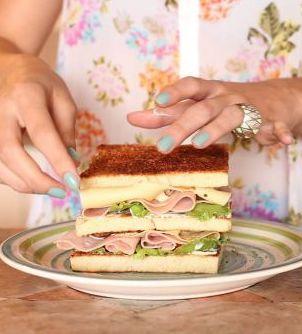 Versão da Luanda para o Club Sandwich! (com queijo, ok?)