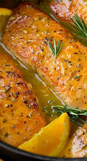 This Skillet Salmon Makes For The Perfect Weeknight Meal Yet It S Something Fancy Enough To Serve